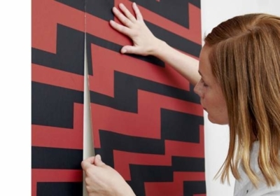 Как клеить флизелиновые обои: метровых поклейка, как правильно широкие, видео, своими руками оклейка стен