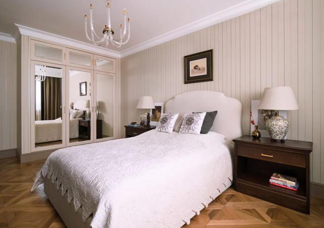 Интерьер спальни в светлых тонах фото: мебель и дизайн, темный гарнитур, идеи с маленькой кроватью, яркие акценты