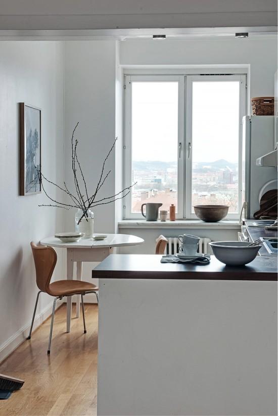 Мебель в гостиной-прихожей: совмещение в доме, шкафы и дизайн кухни-коридора, фото перегородок между комнатами