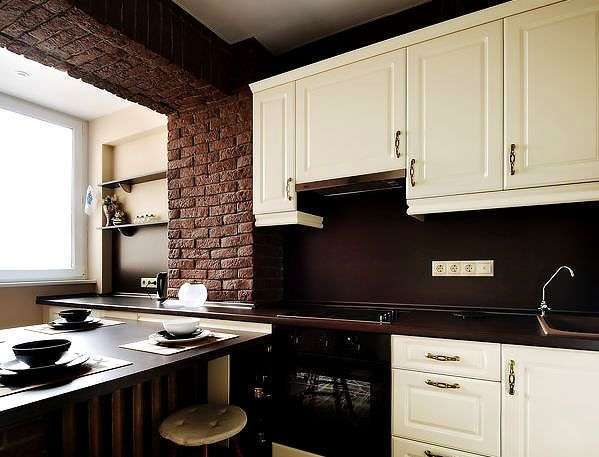 Дизайн кухни с балконом: совмещение и объединение, фото лоджии и интерьер с барной стойкой, выход маленький