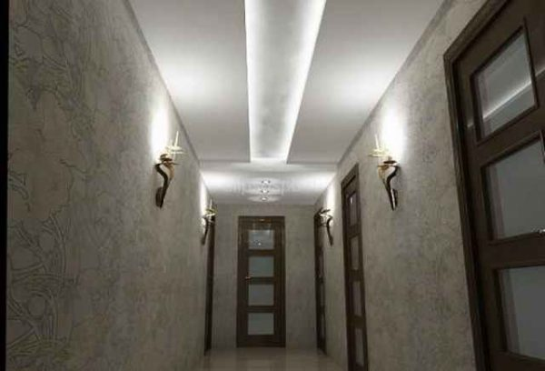 Натяжные потолки в прихожую фото: дизайн черных и маленьких, глянцевый двухуровневый в квартире