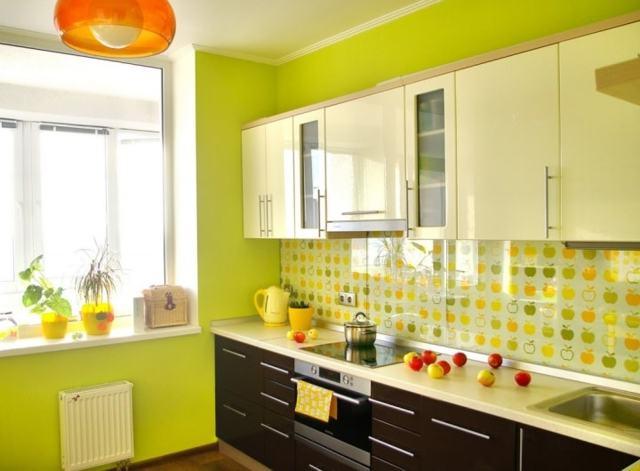 Оранжевые обои: для стен в интерьере, фото, какие сочетаются с цветами, кухня и гарнитур, шторы зеленые