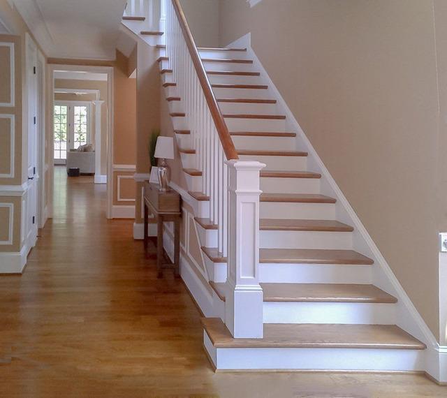 Ступени для лестниц из дерева: деревянные и расстояние между металлическими, забежные с накладками, размеры