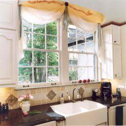Как оформить окно на кухне шторами фото: оригинальные карнизы своими руками, красивая и интересная фотосессия
