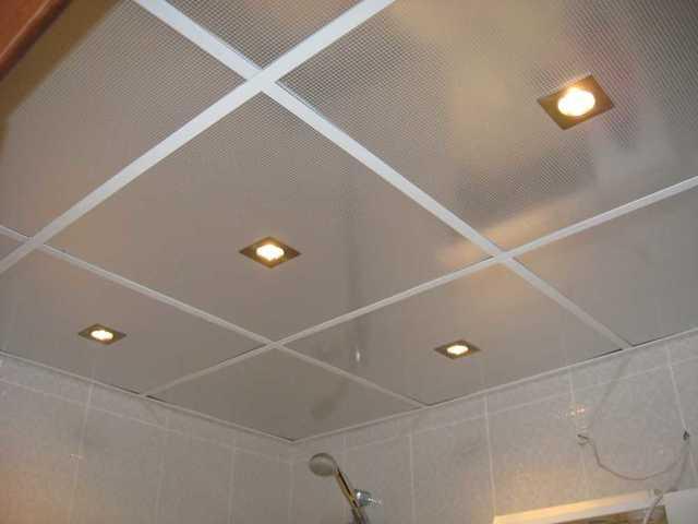 Металлические подвесные потолки: навесные из рейки и нержавейки, плиты для потолка, крепление к фермам