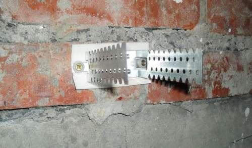 Какой стороной крепить гипсокартон к стене: как правильно прикручивать, лицевую к профилю, класть влагостойкий, ГКЛ