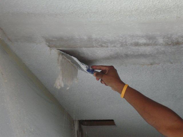 Как подготовить потолок под покраску водоэмульсионной краской: нужно ли смывать своими руками и как правильно, затирка бетонного, чем мыть и как, видео