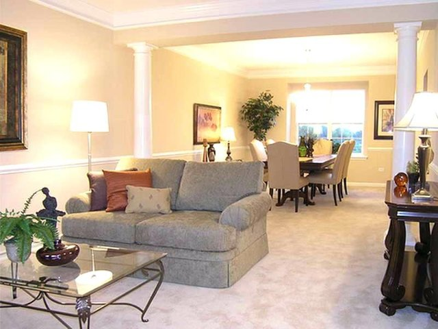 Дизайн гостиной фото 2020 современные идеи: интерьер зала, стильная столовая, красивые длинные стены