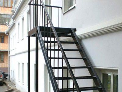 Изготовление лестниц на металлическом каркасе: на второй этаж, железная обшивка, фото и видео