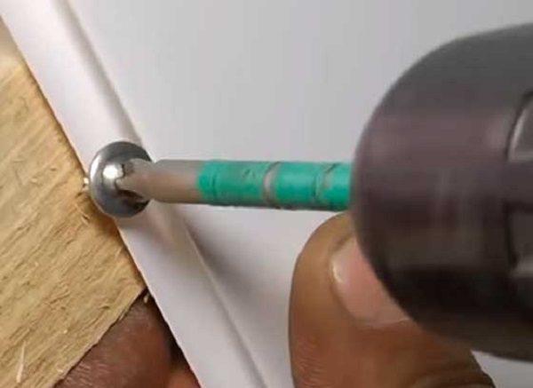 Отделка лоджии пластиковыми панелями: балкон своими руками, пошаговая инструкция по обшивке, видео и ПВХ