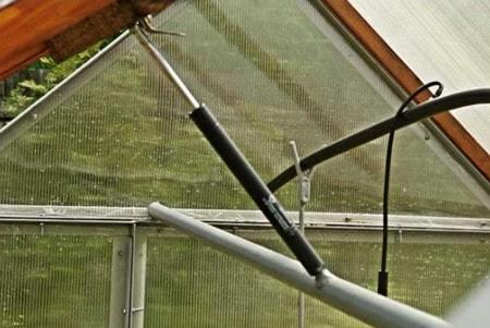 Автомат для проветривания теплицы: автомат Дуся сан, автоматический проветриватель своими руками, устройство Уфопар