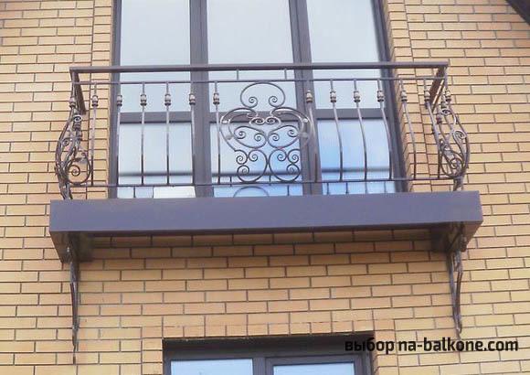 Французский балкон: фото балкончика, такой цвет, окно внутри и ковка, отзывы о фальшь-балконе, как выглядит дом