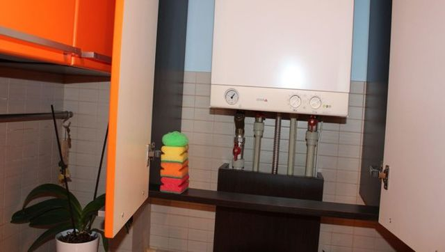 Как спрятать газовый котел на кухне фото: закрыть, дизайн с котлом индивидуального отопления в частном доме, скрыть шкаф