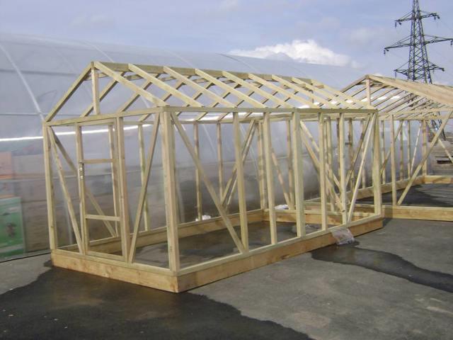 Как построить теплицу: своими руками строительство, тепличные комплексы и парники, Люрт постройка экономная