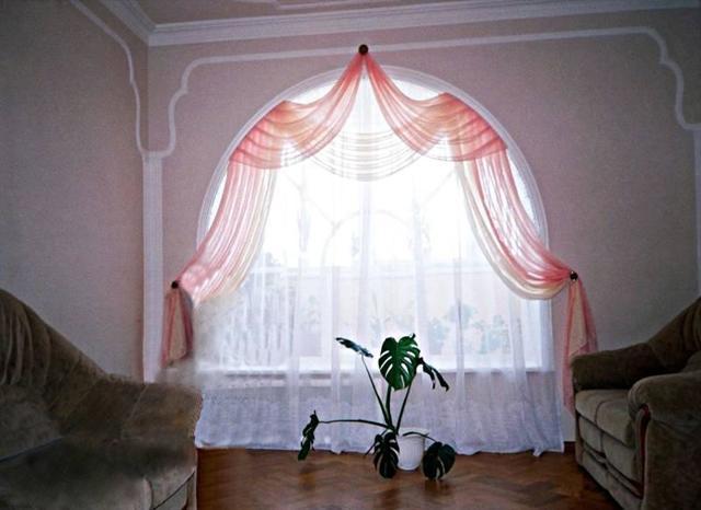 Шторы на арочные окна фото: полукруглые карнизы, жалюзи в домах, оформление арки занавесками и гардиной