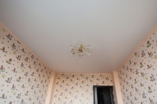 Какой сделать потолок: и как своими руками, фото, время, видео, волна на потолке
