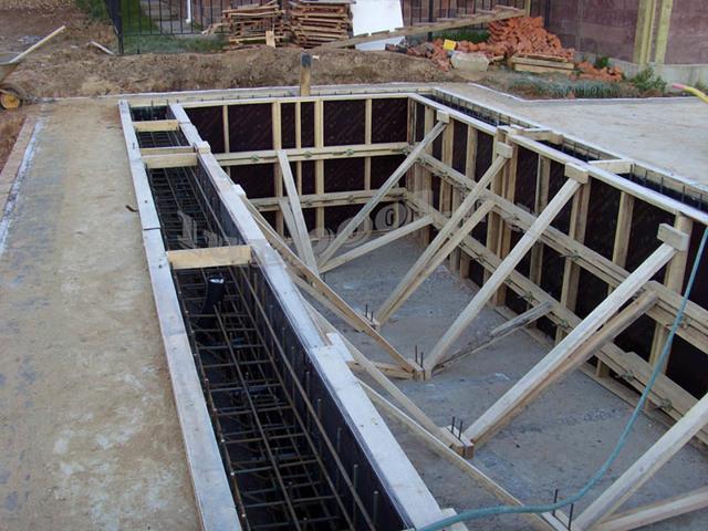 Бассейн своими руками: сделать, построить на даче их бетона, строительство дома, в огороде и дворе, из блоков на участке