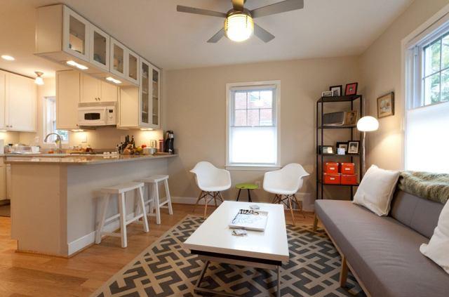 Барные стойки в интерьере гостиной вместо перегородки: фото шкафа, комод-бар в современном стиле и стенка