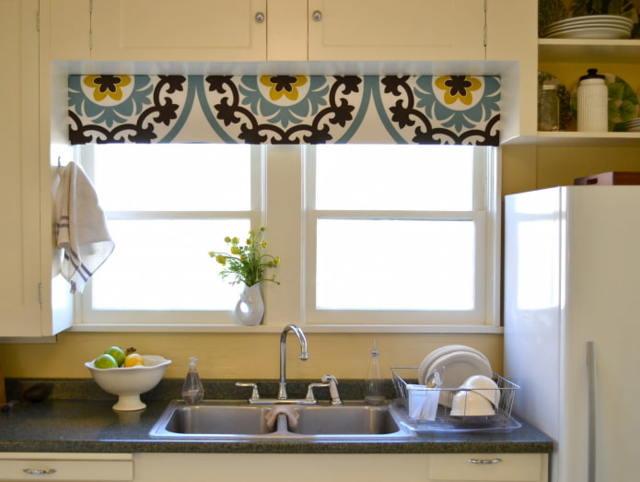 Ламбрекены для кухни: фото штор с ламбрекенчиком, высота на одну сторону, красивые и жесткие новинки, виды