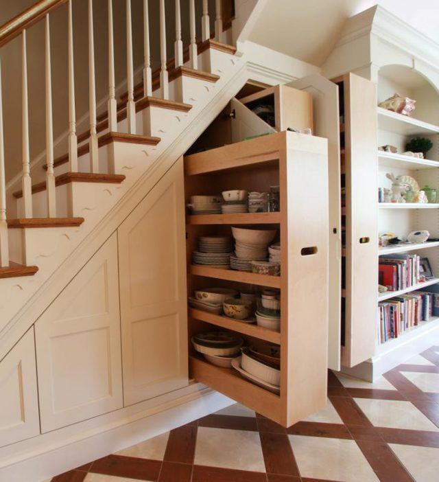 Шкаф под лестницей: фото идей в прихожей, купе и встроенный на втором этаже, как сделать своими руками деревянную на даче