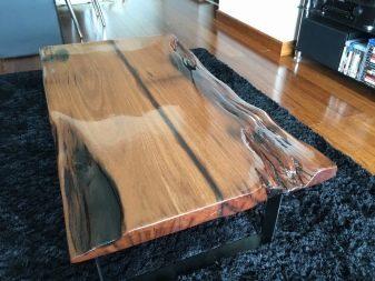 Столы из эпоксидной смолы и дерева: большая подборка фото
