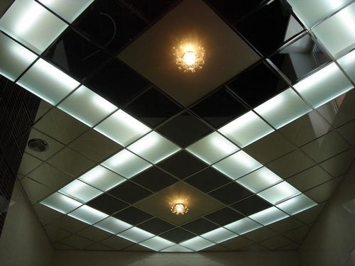 Кассетный потолок: cesal, фото, металлические кассеты caveen, алюминиевый потолок Албес в ванной, установка