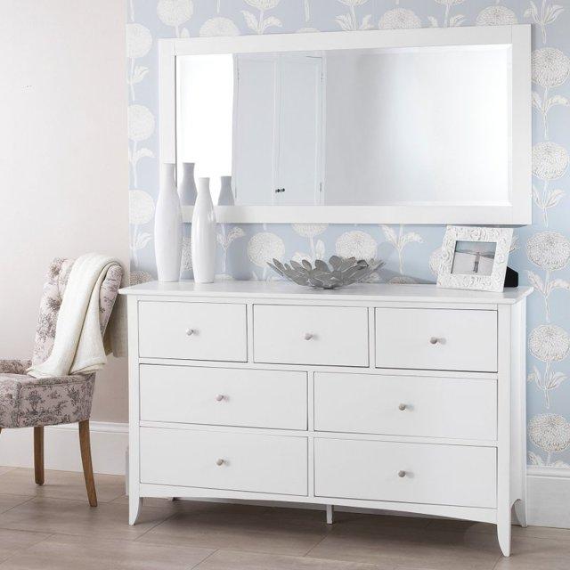 Комоды в спальню: фото угловых в интерьере, широкие и длинные, красивый белый шкаф, размеры современной мебели
