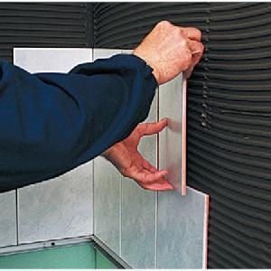 Плитку на гипсокартон: положить и клеить керамическую, подготовка кафеля, своими руками демонтаж с ГКЛ