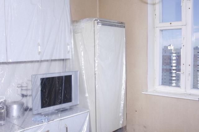 Как смыть побелку с потолка быстро видео: снять побелку и очистить, удалить и размыть, убрать старую без грязи