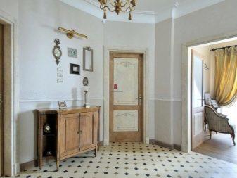Напольная плитка для прихожей фото: дизайн кафеля и керамической, мощеная мраморной и украшена стеклянными вазами