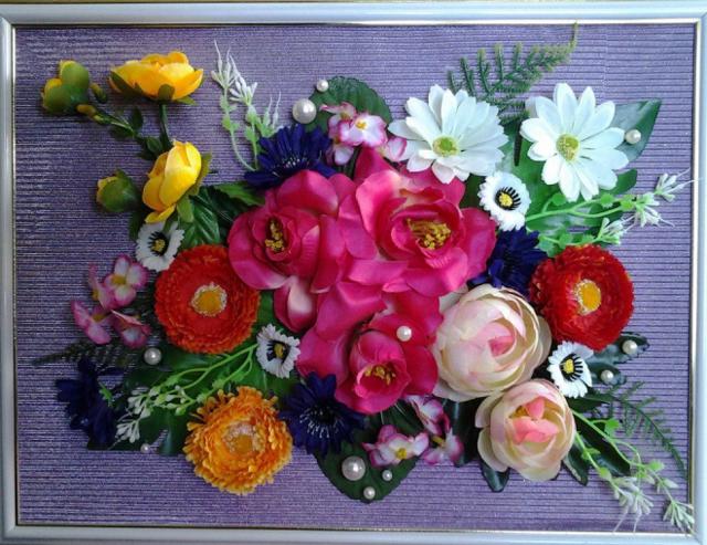 Панно из цветов: как сделать из искусственных, на стену своими руками, сухоцветы и розы из лент, фото