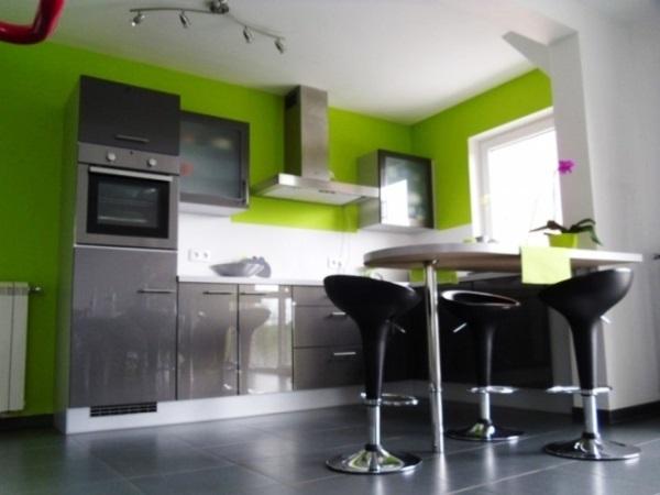 Какие обои лучше подходят для кухни: выбор фото, поклеить лучше, как подобрать варианты, бежевая и черно-белая