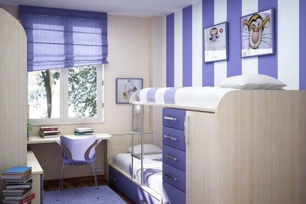 Обои в полоску в интерьере гостиной фото: белый дизайн двух цветов, бежевые и темные, подобрать серые шторы