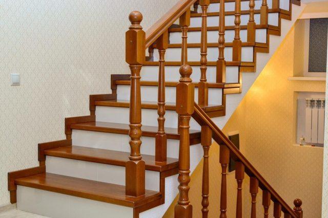 Отделка бетонной лестницы деревом: облицовка и обшивка ступеней плиткой, технология накладного ламината