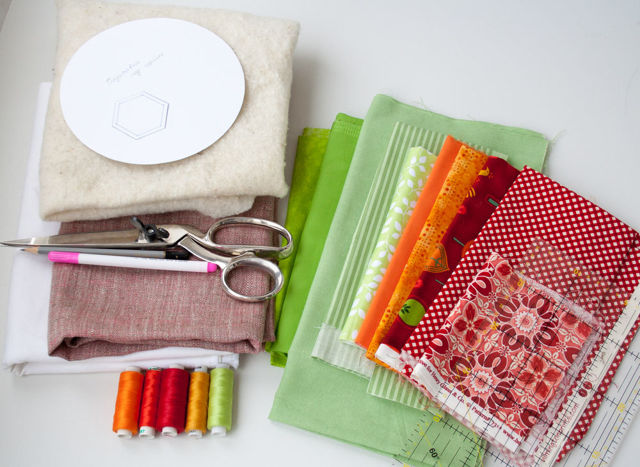 Пэчворк мастер-класс: своими руками лоскутное шитье, видео создания аппликаций, образцы вышивки, как шить косметичку и прихватки