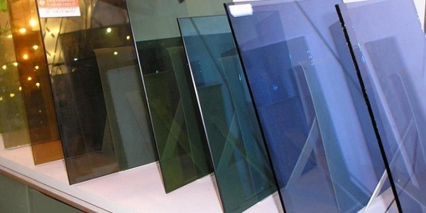 Теплицы из стекла: стеклянные от производителя своими руками, металл красивый и остекление пленкой парника