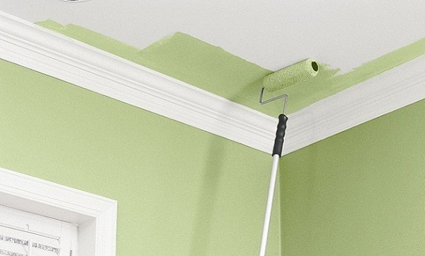 Покраска потолка: как покрасить, можно ли своими руками, как правильно по старой краске в доме, площадь, видео