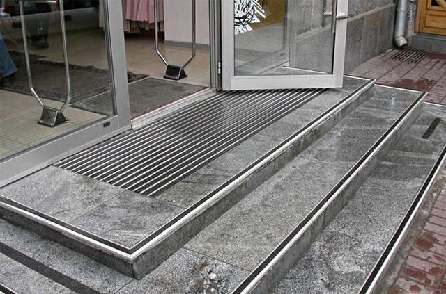 Ступени для лестниц из керамогранита 1200 мм: отделка гранитом, плиточная облицовка ступеней, фото в доме