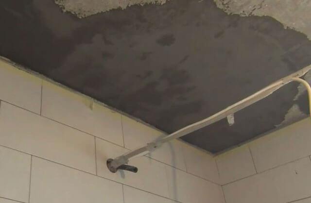 Гидроизоляция потолка: в квартире и в ванной, стены и бетонный потолок, материалы для пароизоляции проникающие, в доме и в гараже