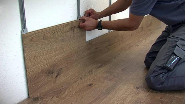 Ламинат на потолок: фото интерьеров, как крепить покрытие в деревянном доме на стену, как уложить и закрепить своими руками, видео обшивки