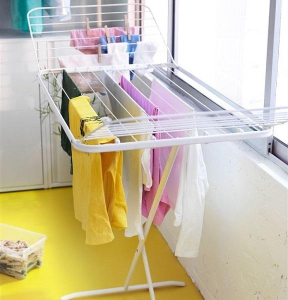 Сушилка для белья на балкон: вешалка для сушки воды, подвесное настенное приспособление, устройство складное
