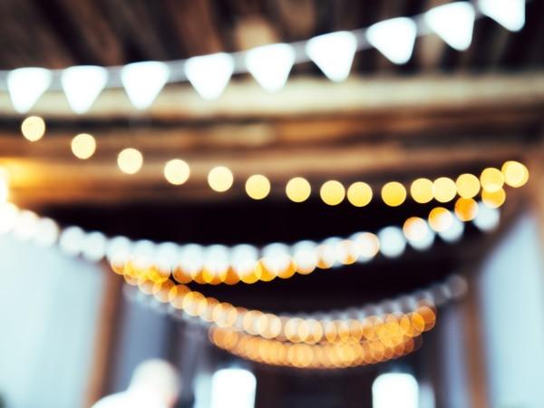 Украшение потолка на Новый Год: как своими руками, фото вариантов, дождиком как можно