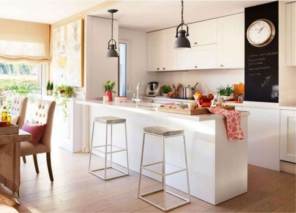 Кухня-гостиная 30 кв м дизайн фото: квадатный проект, совмещенная планировка, интерьер