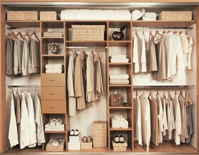Встроенные гардеробные: в прихожей, дизайн шкафа купе в комнате, фото, наполнение системы в нише, мебель своими руками