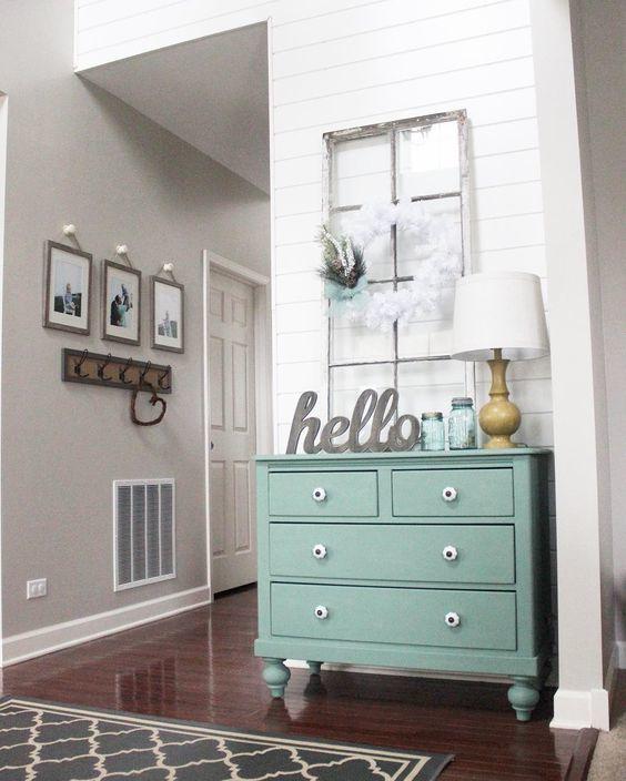 Аксессуары для прихожей: декор коридора, предметы для квартиры, фото и как украсить своими руками