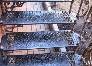 Уличные лестницы из металла: на второй этаж, фото железных для дачи
