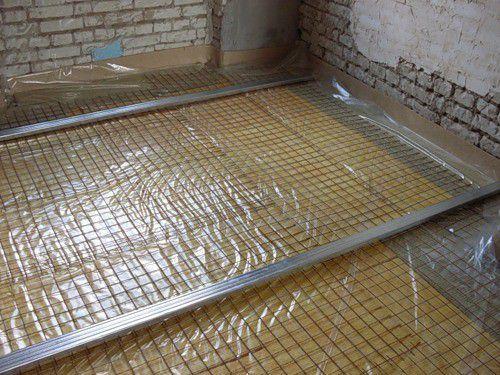 Монтаж теплых потолков: водяной и электрический, что лучше, своими руками пленочный, устройство