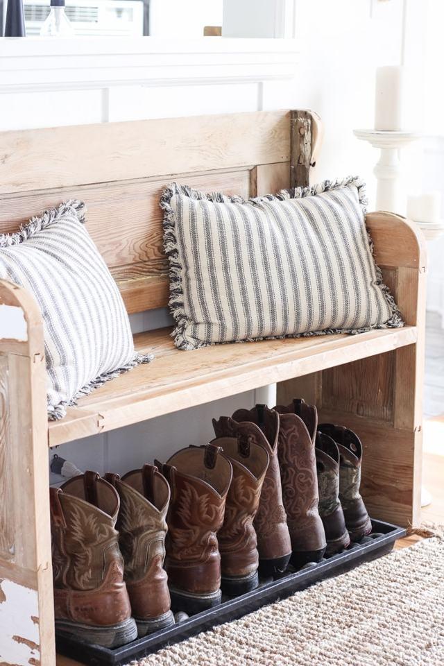 Галошница для обуви в прихожую: узкая калошница Икеа, своими руками с сиденьем, фото с зеркалом, кованая недорогая