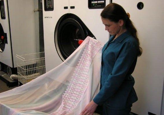 Как отбелить тюль в домашних условиях быстро: как постирать капроновый, чтобы он стал белым, отзывы о стирке