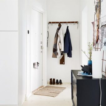 Прихожая в стиле прованс: фото коридора с мебелью, интерьер и дизайн, дуб от Трия, маленькая своими руками, Сонома трюфель в коттедже